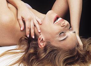 Cerca de 50% das mulheres mentem sobre orgasmo