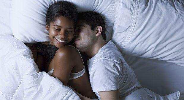 11 Bons motivos para fazer mais sexo pela manhã