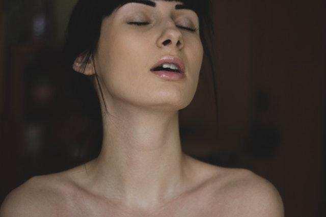 Sexo Oral – Aprenda a deixar a sua parceira louca na cama